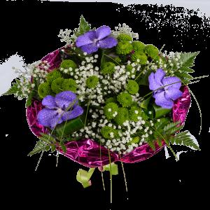 Букет из ванды, хризантемы и зелени