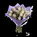 Букет из 21 розы с зеленью в крафт бумаге