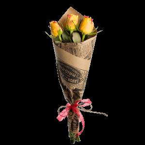 Букет из 3 роз в крафт-бумаге