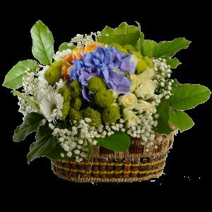 Большая корзина с хризантемой, розой и гортензией