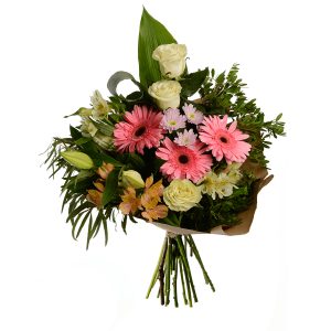Букет с герберой, розой, альстермерией, лилией, хризантемой и зеленью в крафт-бумаге