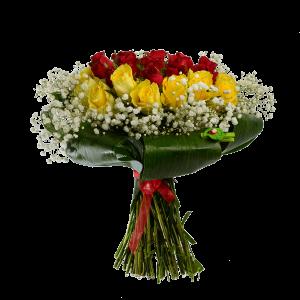 Букет из красных и желтых роз с зеленью