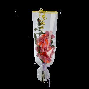 Букет из орхидеи с зеленью и фетром в прозрачном целлофане